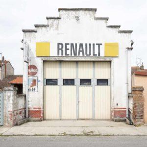 ancien garage mécanique Renault automobile à Rieumes en Haute-Garonne