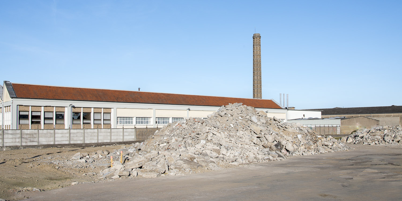 D2020 Démolition d' usine à fleury-les-Aubrais-45